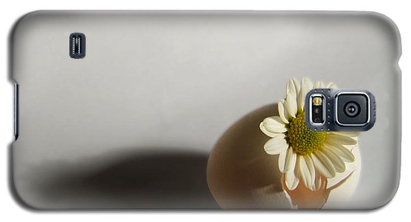 Hatching Flower Photograph Galaxy S5 Case