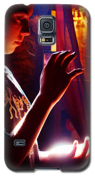 Galaxy S5 Case featuring the photograph Healing Hands by Susanne Still