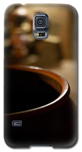 Holding Galaxy S5 Case