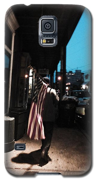 Homeless Man Carrying American Flag In New Orleans Galaxy S5 Case