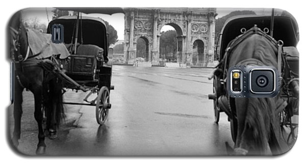 Galaxy S5 Case featuring the photograph Horse Drawn Carriages In Rome by Emanuel Tanjala