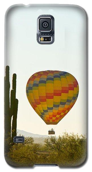 Hot Air Balloon In The Arizona Desert With Giant Saguaro Cactus Galaxy S5 Case