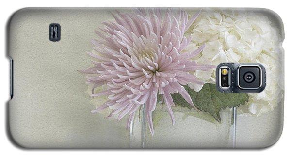 Hydrangea And Mum Galaxy S5 Case