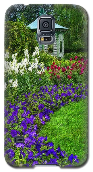 Galaxy S5 Case featuring the photograph In Full Bloom by Cindy Haggerty