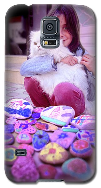 Galaxy S5 Case featuring the photograph Innocence by Richard Piper