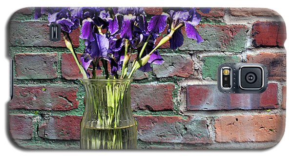 Galaxy S5 Case featuring the photograph Iris Vase by Rick Friedle