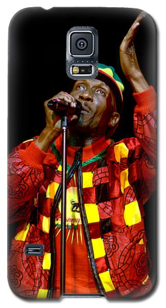 Galaxy S5 Case featuring the photograph Jimmy Cliff by Jeff Ross