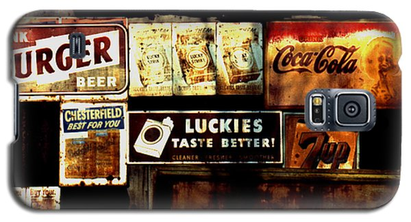 Galaxy S5 Case featuring the photograph Kentucky Shed Ad Signs by Tom Wurl