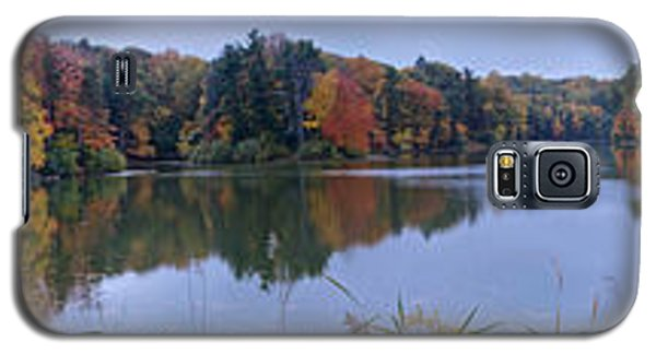 Galaxy S5 Case featuring the photograph Lake Eastman by William Norton