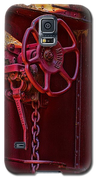 Galaxy S5 Case featuring the photograph Last Red Caboose by Ken Stanback