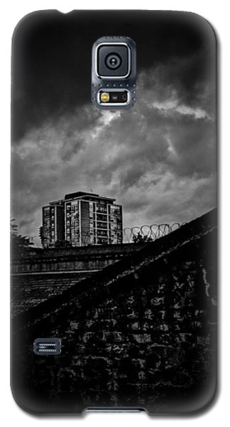 Galaxy S5 Case featuring the photograph Late Night Brixton Skyline by Lenny Carter