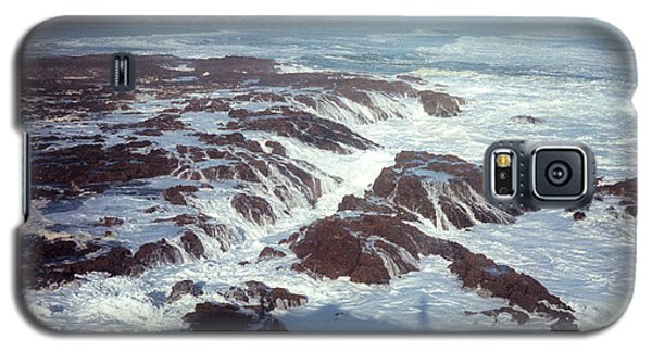 Galaxy S5 Case featuring the photograph Lava Rock 90 Mile Beach by Mark Dodd