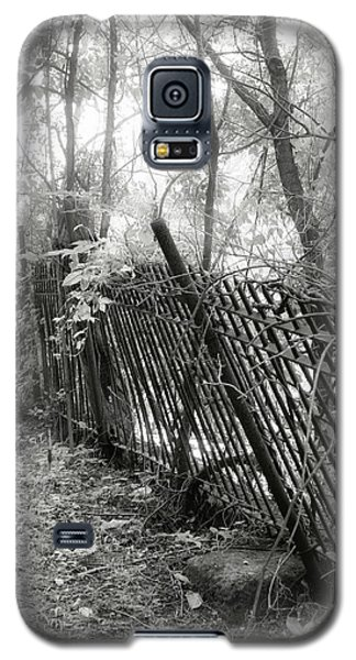 Galaxy S5 Case featuring the photograph Leaning Fence by Mary Almond