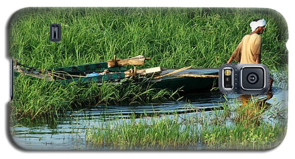 Galaxy S5 Case featuring the photograph Life Along The Nile by Vivian Christopher
