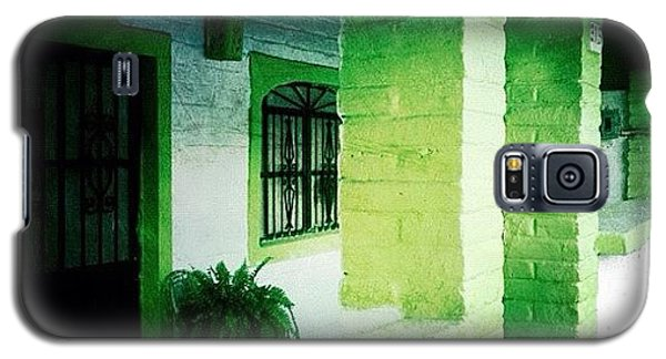 Colorful Galaxy S5 Case - Lime Green & White House (puerto by Natasha Marco