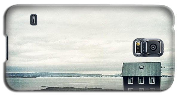 House Galaxy S5 Case - Little Black House By The Sea by Luke Kingma
