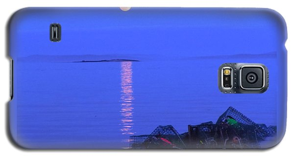 Galaxy S5 Case featuring the photograph Lobstering Moon by Francine Frank