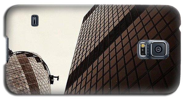 London Galaxy S5 Case - #london #gherkin#building #architecture by Ozan Goren