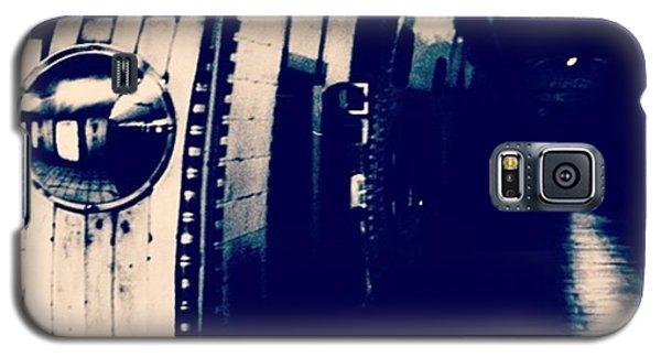 #london #londonpop #underground #bnw Galaxy S5 Case by Ritchie Garrod