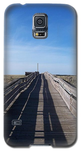 Galaxy S5 Case featuring the photograph Long Beach Boardwalk by Peter Mooyman