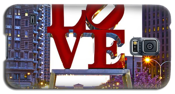 Galaxy S5 Case featuring the photograph Love In Philadelphia by Alice Gipson