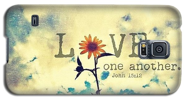 ...love One Another... John Galaxy S5 Case