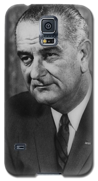 Galaxy S5 Case featuring the photograph Lyndon B Johnson by International  Images