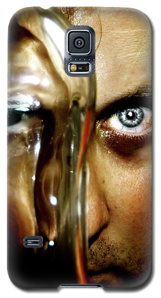 Galaxy S5 Case featuring the photograph Mad Man by Pedro Cardona