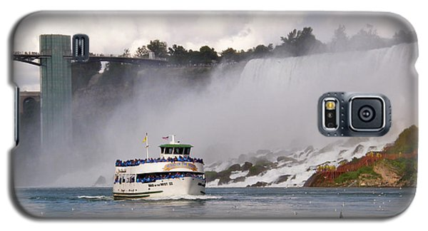 Galaxy S5 Case featuring the photograph Maid Of The Mist At Niagara Falls by Mark J Seefeldt