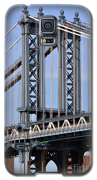 Galaxy S5 Case featuring the photograph Manhattan Bridge3 by Zawhaus Photography