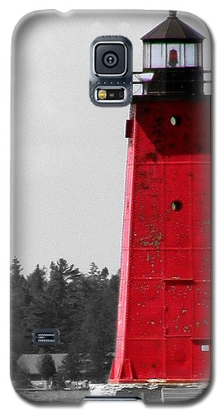 Galaxy S5 Case featuring the photograph Manistique East Breakwater Light With Selective Color by Mark J Seefeldt