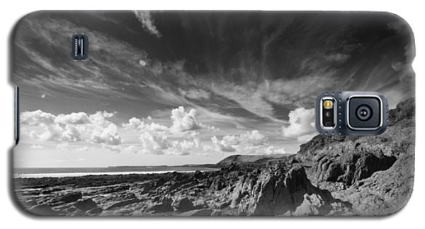 Galaxy S5 Case featuring the photograph Manorbier Rocks by Steve Purnell
