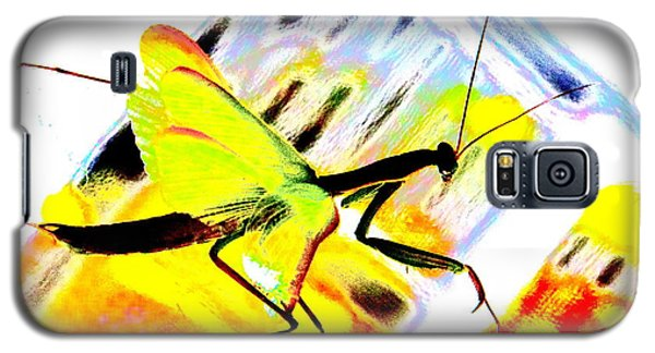 Galaxy S5 Case featuring the photograph Mantis by Xn Tyler