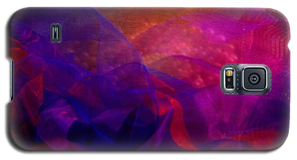 Galaxy S5 Case featuring the photograph Memories by Nareeta Martin