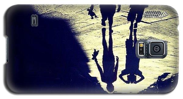 Holiday Galaxy S5 Case - Midget Walk. #rotate #shadow #kids by Robbert Ter Weijden