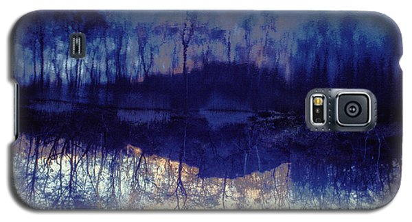 Galaxy S5 Case featuring the photograph Mirror Pond In The Berkshires by Tom Wurl