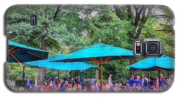 Modern Boating Party Crowd At Central Park In New York City Galaxy S5 Case