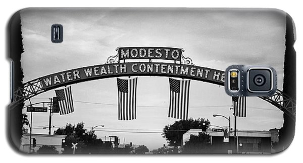 Modesto Arch With Flags Galaxy S5 Case