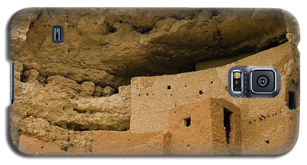 Galaxy S5 Case featuring the photograph Montezuma's Castle by Tom Singleton