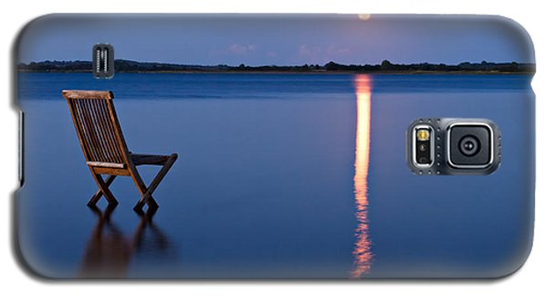 Galaxy S5 Case featuring the photograph Moon View by Gert Lavsen