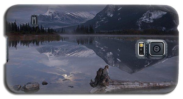 Moonrise Over Banff Galaxy S5 Case