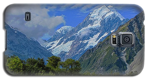 Galaxy S5 Case featuring the photograph Mount Cook by David Gleeson