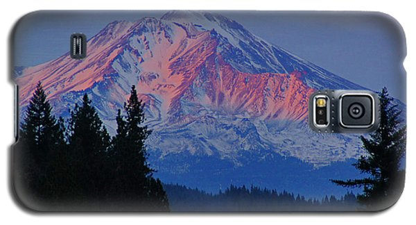 Galaxy S5 Case featuring the photograph Mount Shasta Winterlight by Mick Anderson