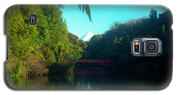 Galaxy S5 Case featuring the photograph Mount Taranaki Aka Mt Egmont New Zealand by Mark Dodd