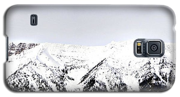 Galaxy S5 Case featuring the photograph Mountains Majesty by Janie Johnson