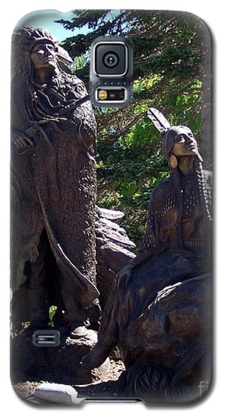 Galaxy S5 Case featuring the photograph Native American Statue by Chalet Roome-Rigdon