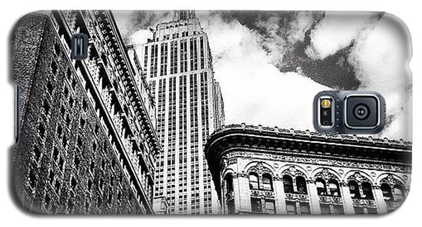 New York City - Empire State Building And Clouds Galaxy S5 Case by Vivienne Gucwa