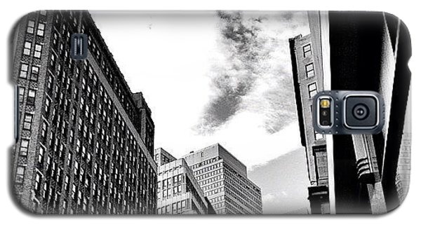 New York City - In Flight Galaxy S5 Case by Vivienne Gucwa