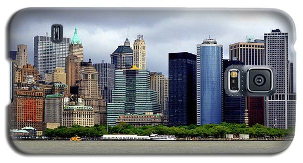 Galaxy S5 Case featuring the photograph New York City by Pravine Chester