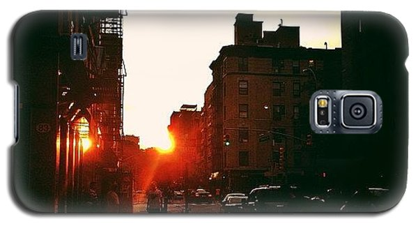 New York City Sunset Galaxy S5 Case by Vivienne Gucwa